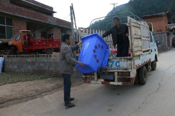 清洁公共卫生,提升人居环境 ——龙潭镇中岭子村开