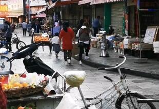 宣威步行街正恢复往日繁华