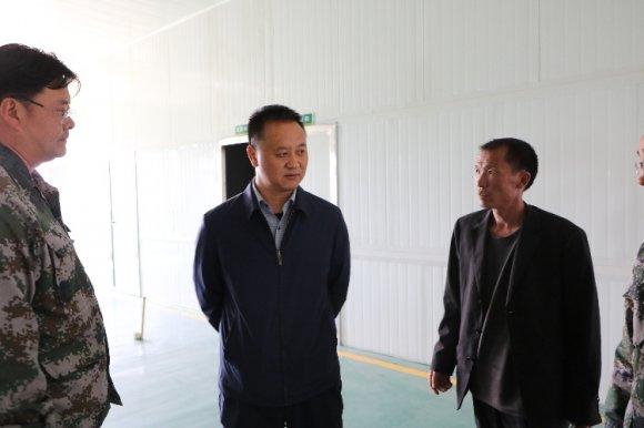 许韶发到杨柳镇督查指导脱贫攻坚工