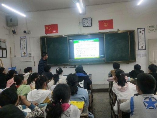 杨柳镇教育系统四结合四确保 上好复学第一课