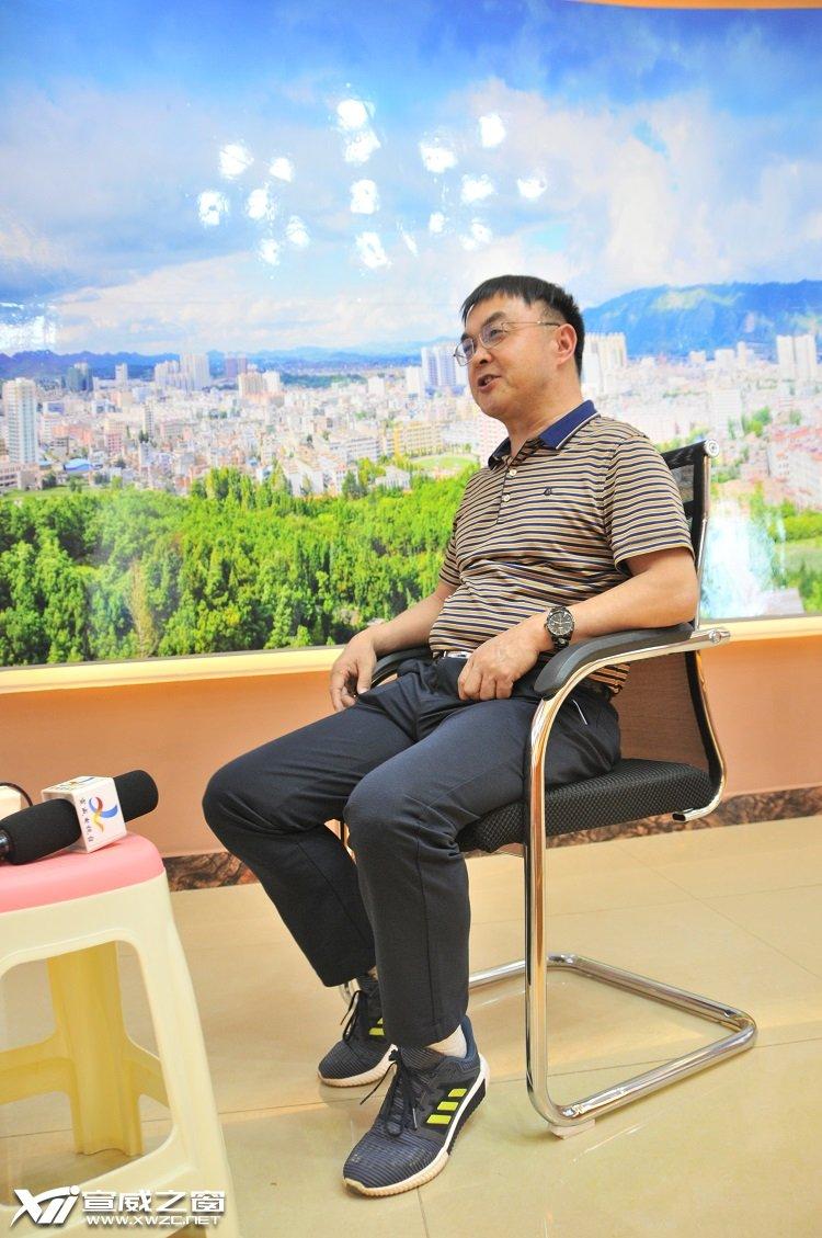 宣威市第一人民医院呼吸科主任医师朱发令.JPG