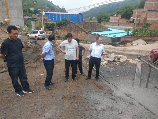 朱家灿督导检查杨宣高速项目建设情