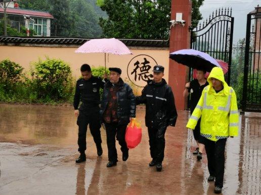 宣威文兴乡:24小时不眠不休的值守 让受灾群众安全