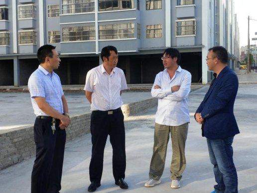 刘清到双龙街道检查指导社区党建示