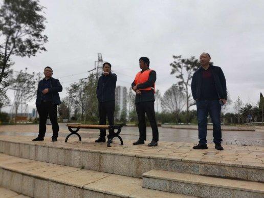 宣威市副市长朱家灿到虹桥街道检查
