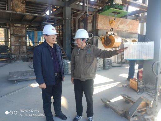 文吉挺到凤凰山工业园调研园区优化提升和高质量发