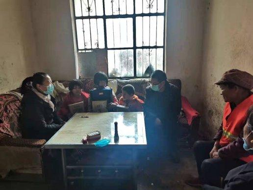宣威市虹桥街道妇联开展走访慰问困