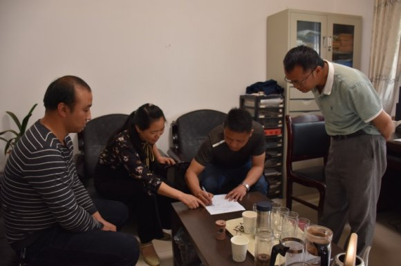 宣威市羊场镇:突击查岗强化工作纪律转变工作作风