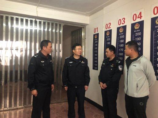 宣威市人民政府副市长、公安局局长周东暄到文兴乡