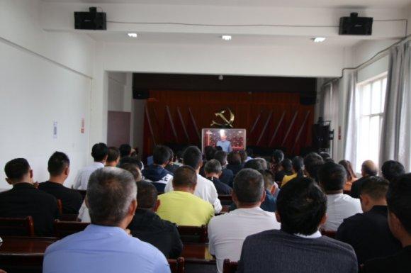 龙潭镇组织在线观看在天安门举行的