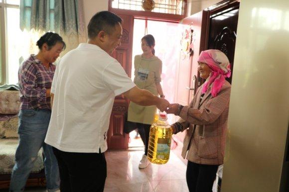 杨柳镇慰问支援勐腊县疫情防控民兵