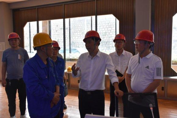 刘清到宣威市羊场镇调研企业生产经