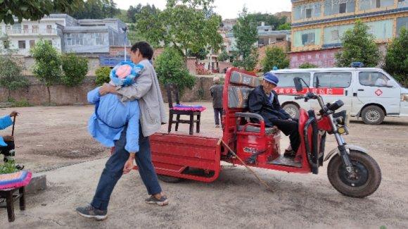 杨柳镇:流动服务解难题 疫苗接种暖