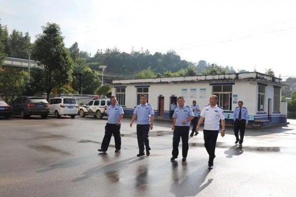 省公安厅交警总队刘刚副总队长深入