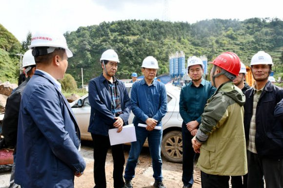 省第二评估组到宣威市开展杨宣高速