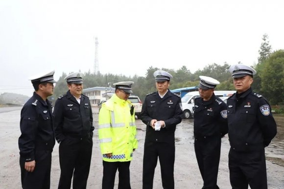 省公安厅交警总队周铋禄政委到宣威