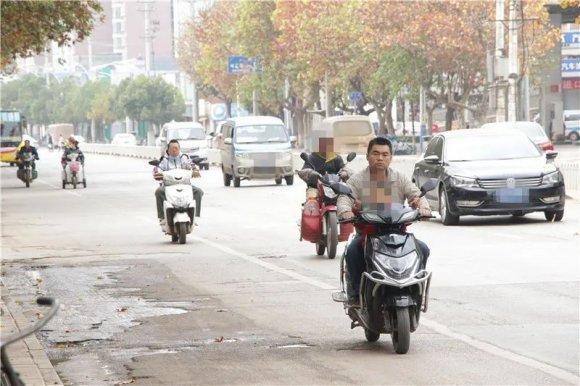 宣威第35期不文明交通行为持续曝光