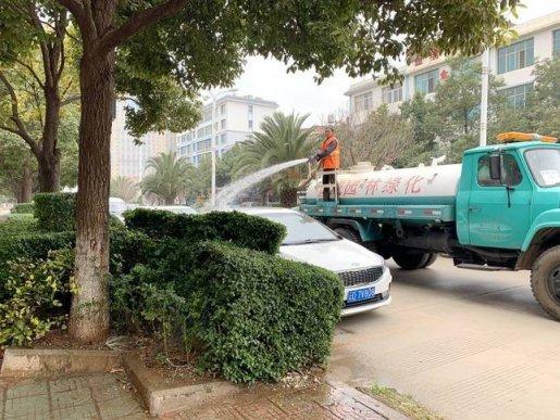宣威市:开展绿化补植补栽 为城市增绿添彩