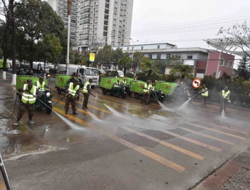 宣威:31辆机扫车集中大清扫 城市清