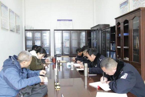 曲靖市公安局交警支队车管所工作组