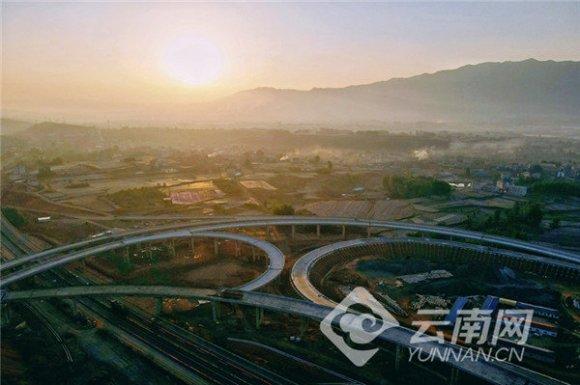 """""""世界地球日""""媒体记者走进建设中的宣杨高速"""