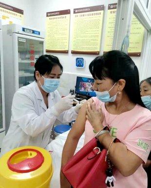 宣威市医保局为新冠疫苗接种工作提
