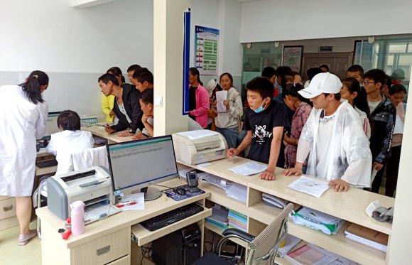 宣威双河:党员在岗 疫苗接种有速度